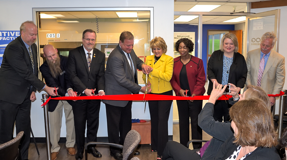 Advanced Manufacturing Lab Ribbon Cutting